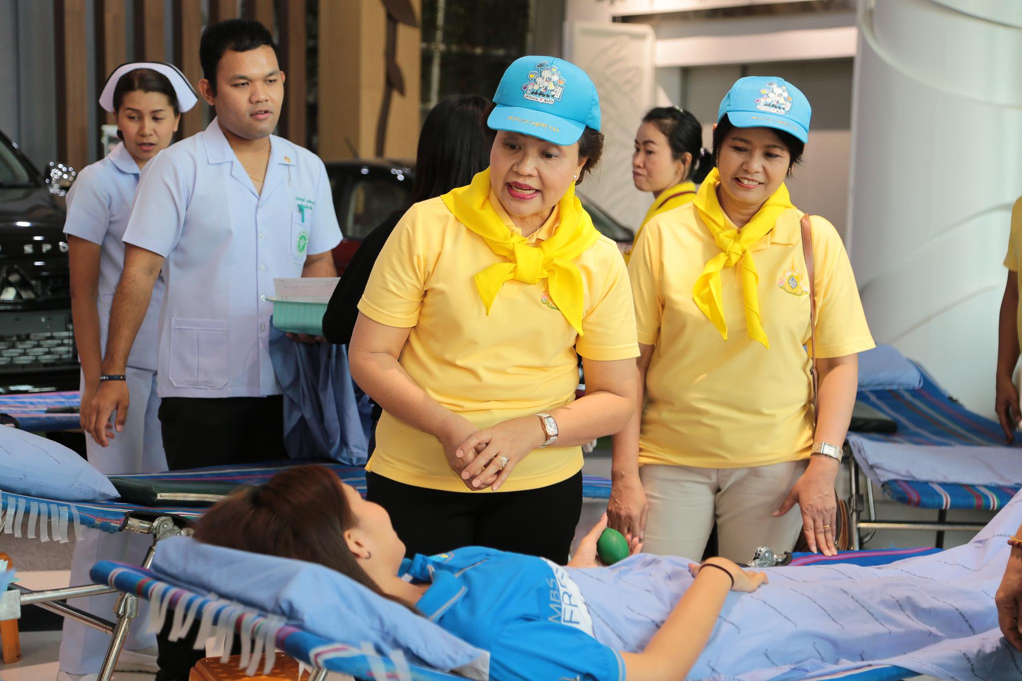 โรงพยาบาลมหาสารคาม ออกหน่วยรับบริจาคโลหิต รวมพลังจิตอาสาทำความดีด้วยหัวใจ เทิดไท้องค์ราชัน